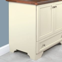 Shaped Side Option: available in the Classic, Elegant (shown), Roman Arch, or Traditional.