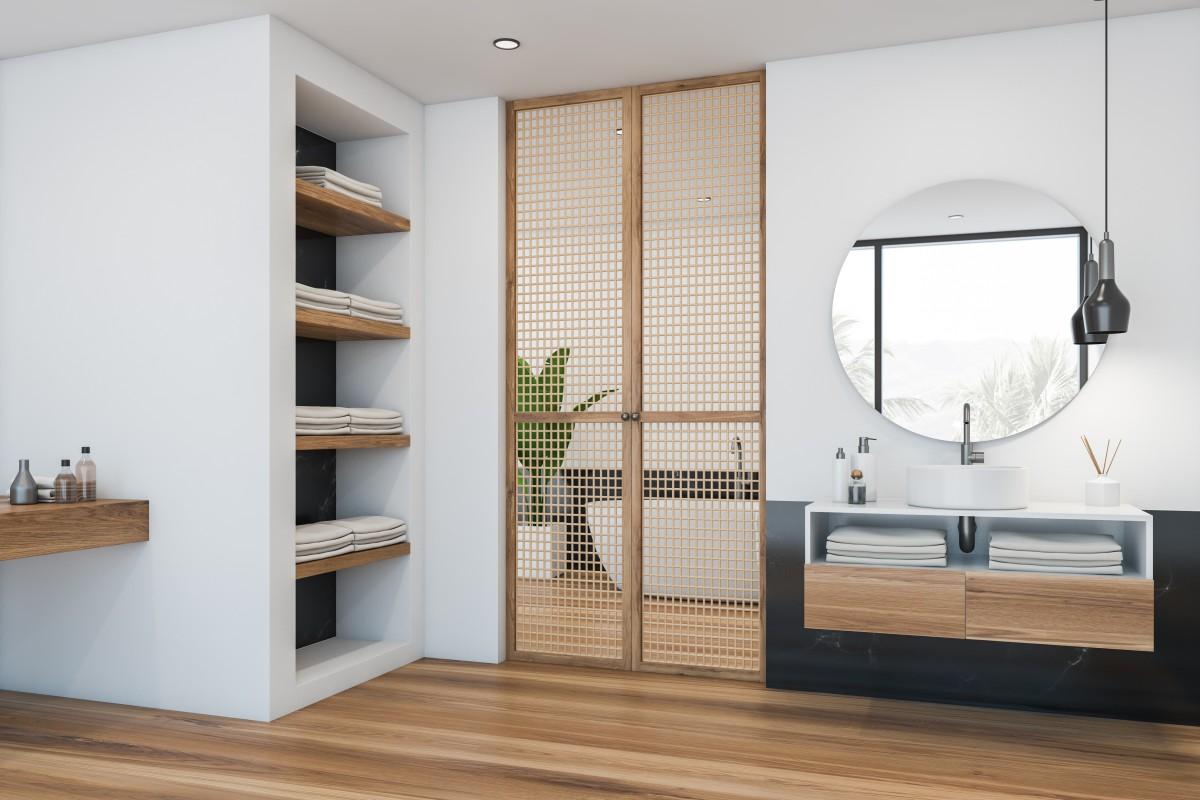 bathroom towels and Linen storage